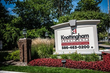 23128 Wellington Crescent 1-2 Beds Apartment for Rent Photo Gallery 1