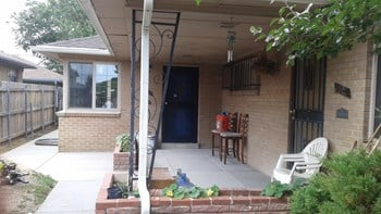 3325-7 Krameria St. 2-4 Beds Apartment for Rent Photo Gallery 1