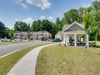 405 Winslow Pointe Drive 1-3 Beds Apartment for Rent Photo Gallery 1