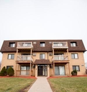 21837 Jeffrey 1-2 Beds Apartment for Rent Photo Gallery 1