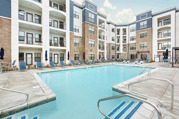 9500 Williamsburg Plaza 1-3 Beds Apartment for Rent Photo Gallery 1