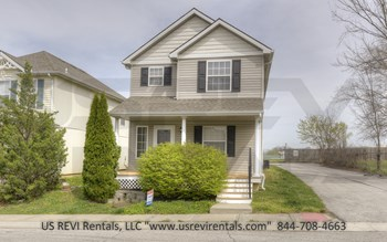 1001 NE Clear Creek Dr. 3 Beds House for Rent Photo Gallery 1