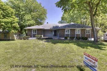 509 SW Locust St. 3 Beds House for Rent Photo Gallery 1