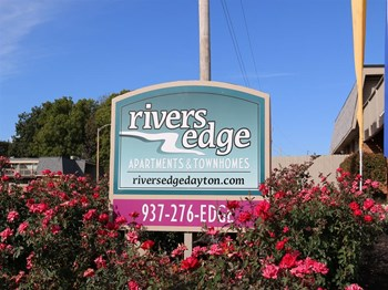 4346 D1 Riverside Drive 1-3 Beds Apartment for Rent Photo Gallery 1