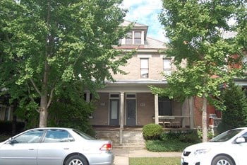 130-132 W Second Studio Apartment for Rent Photo Gallery 1
