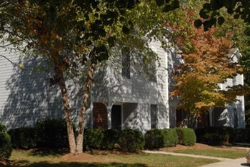 100 Remington Circle 2-3 Beds Townhouse for Rent Photo Gallery 1