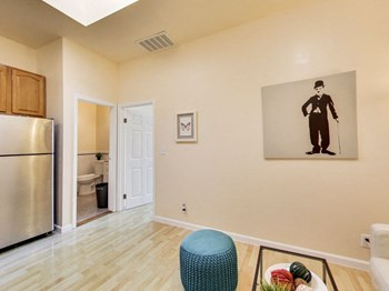 3649 Martin Luther King Jr. Way 2 Beds Apartment for Rent Photo Gallery 1