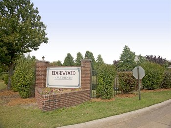 2325-1 W. Beechwood Drive 1-2 Beds Apartment for Rent Photo Gallery 1