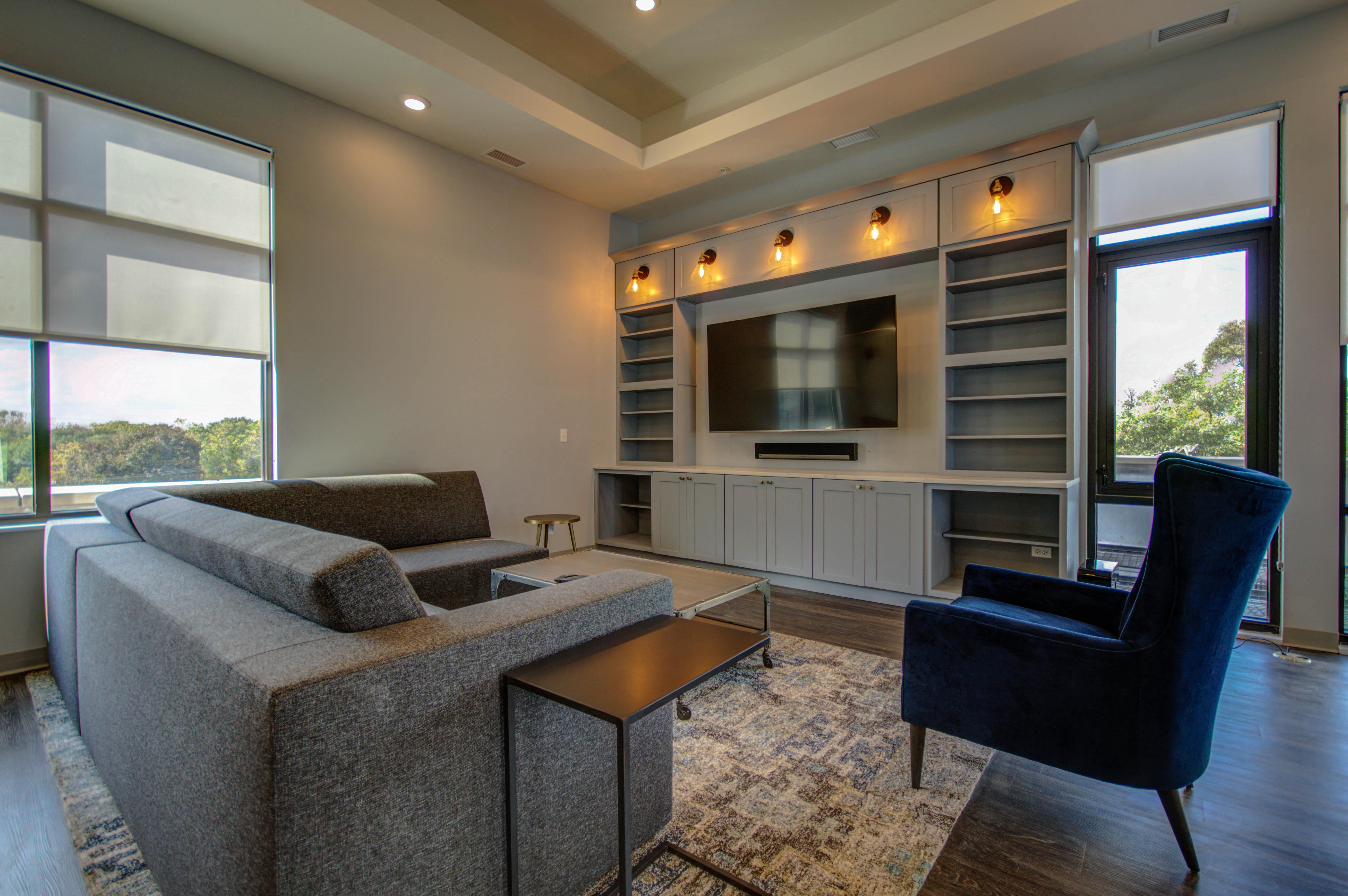101 W. Liberty St., Barrington, IL 60010, 2 Bedroom's, 2 Bathroom's, Lake County, Illinois, Apartment for Rent