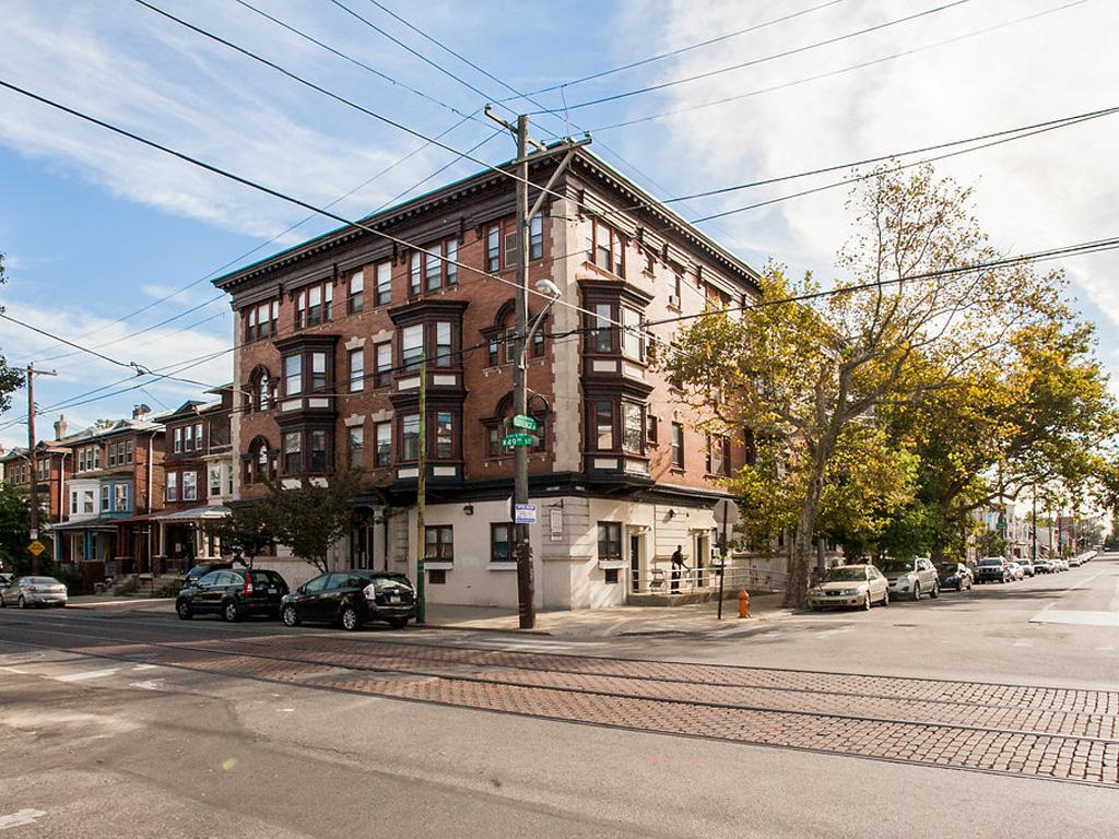 800 S 49th St, Philadelphia, PA - 595 USD/ month