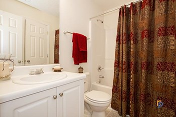 1256 Longpoint Drive 2 Beds Apartment for Rent Photo Gallery 1