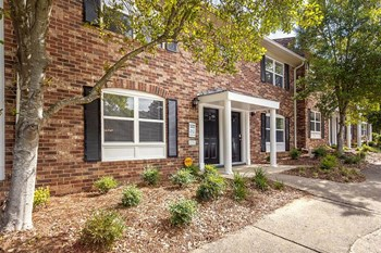2905 Arrowhead Drive 2 Beds Apartment for Rent Photo Gallery 1