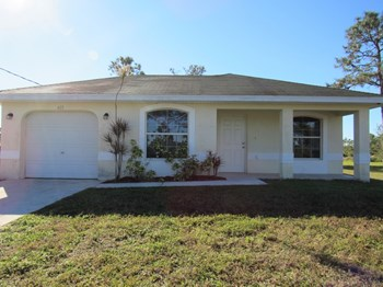 425 Vanetta Dr 3 Beds House for Rent Photo Gallery 1