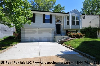 313 GREEN JADE ESTATES DR 3 Beds House for Rent Photo Gallery 1