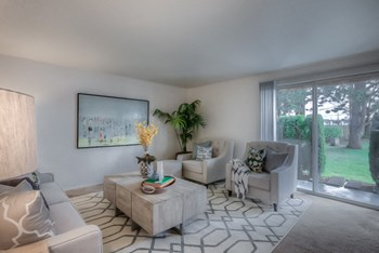 20347 NE Halsey St 2 Beds Apartment for Rent Photo Gallery 1