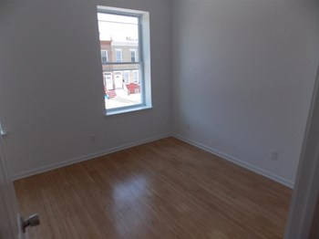 2513 N 33rd St 2 Beds Apartment for Rent Photo Gallery 1