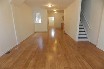 2914 W Gordon St 6 Beds Apartment for Rent Photo Gallery 1