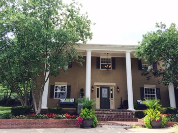 3565 Tates Creek Rd 1-3 Beds Apartment for Rent Photo Gallery 1