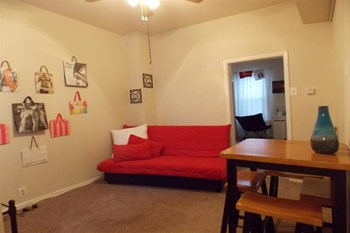 2007 N 17th St 2 Beds Apartment for Rent Photo Gallery 1