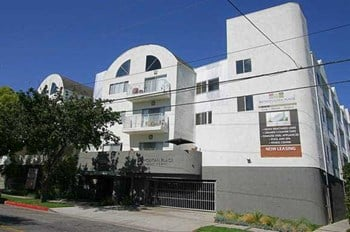 1800 Grismer Avenue 1-2 Beds Apartment for Rent Photo Gallery 1