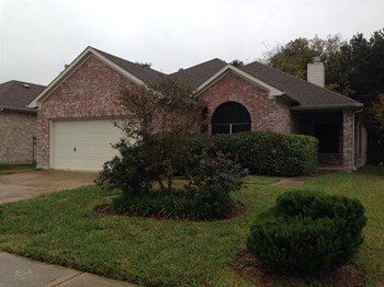 2810 Thompson Creek Dr 3 Beds House for Rent Photo Gallery 1