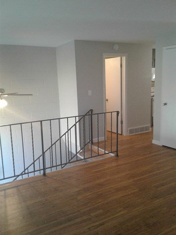 1089 Lee Street  1-2 Beds Townhouse for Rent Photo Gallery 1