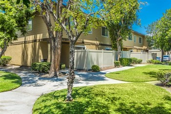 8888  N. Citrus Ave 2 Beds Apartment for Rent Photo Gallery 1