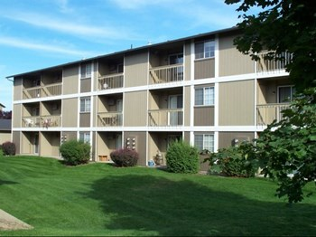 1905 W. Appleway Ave 1-2 Beds Apartment for Rent Photo Gallery 1