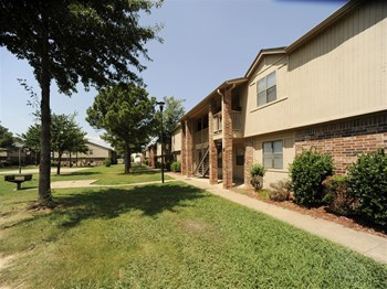 400 Meadow Lake Circle 1-2 Beds Apartment for Rent Photo Gallery 1