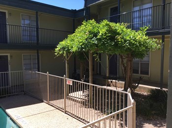 1301 West Ben White Boulevard Studio-2 Beds Apartment for Rent Photo Gallery 1