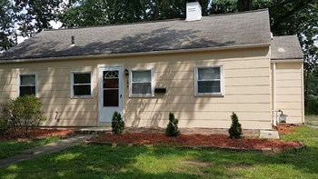 184 S Hampton Rd 3 Beds House for Rent Photo Gallery 1
