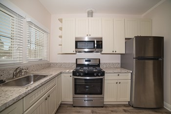 120 Franklin Court 1 Bed Apartment for Rent Photo Gallery 1