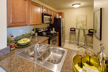 2800 Windsor Drive 1-2 Beds Apartment for Rent Photo Gallery 1