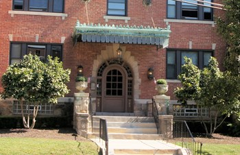 783 Shady Drive East 1-2 Beds Apartment for Rent Photo Gallery 1