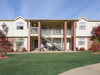 3700 Kristi Lake M-1 1-2 Beds Apartment for Rent Photo Gallery 1