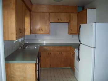 1218 47th Ave. 3 Beds House for Rent Photo Gallery 1