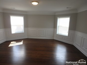 6048 N Fairfield Avenue Unit 3 3 Beds House for Rent Photo Gallery 1