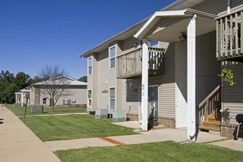 3501 E. Lombard 1-3 Beds Apartment for Rent Photo Gallery 1
