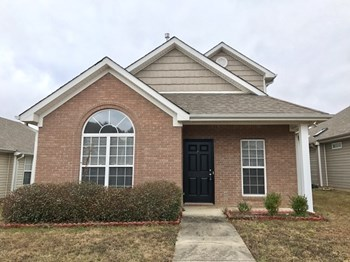 194 Village Dr 3 Beds House for Rent Photo Gallery 1