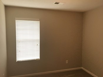 4545 Longtree Ave 3 Beds House for Rent Photo Gallery 1