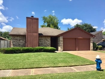 15402 Wildwood Glen Dr 3 Beds House for Rent Photo Gallery 1