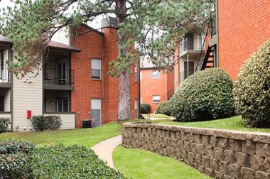 144 Interstate 45 North 1-2 Beds Apartment for Rent Photo Gallery 1
