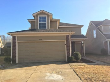 4698 Royal View Dr 4 Beds House for Rent Photo Gallery 1