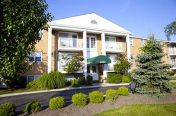 3434  E. BRAINARD RD. 1-2 Beds Apartment for Rent Photo Gallery 1