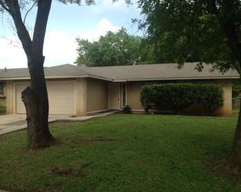 1030 Honeytree Ln 4 Beds House for Rent Photo Gallery 1