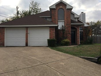 901 Turner Ct 3 Beds House for Rent Photo Gallery 1