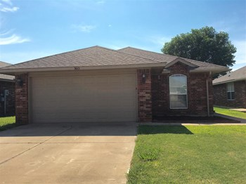 3615 Ellis Ave 3 Beds House for Rent Photo Gallery 1
