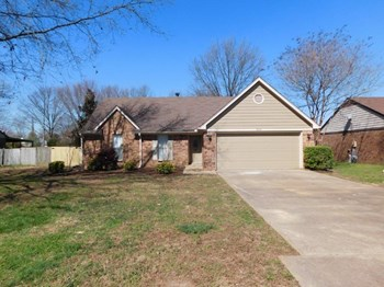 3820 Ramblewood Dr 3 Beds House for Rent Photo Gallery 1