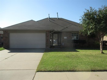 10412 NW 45th St 3 Beds House for Rent Photo Gallery 1