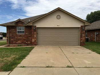 3617 Ellis Ave 3 Beds House for Rent Photo Gallery 1